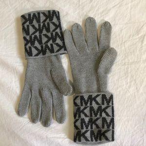 Micheal Kors glove